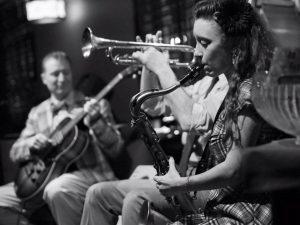 Chloe Feoranzo playing with Glenn Crytzer Orchestra