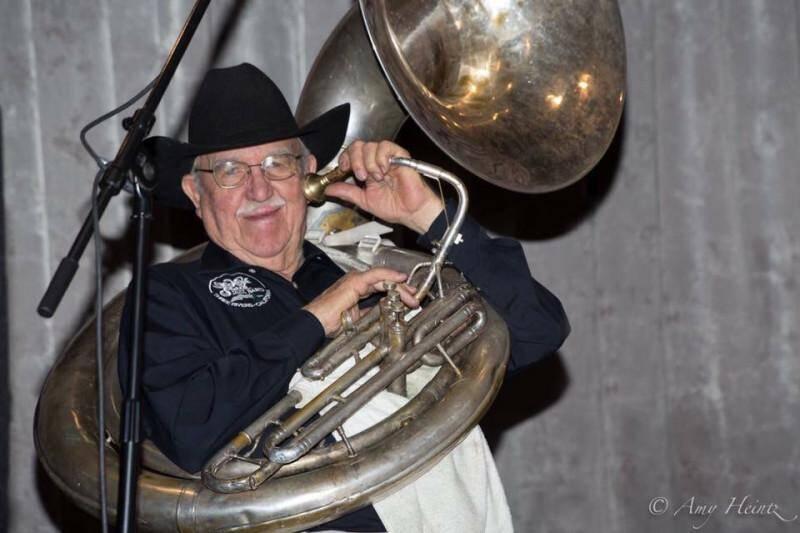 Big Earl McKee of the High Sierra Jazz Band (photo by Amy Heintz)