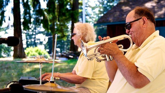 Bert Barr, leader of the Uptown Lowdown Jazz Band has died