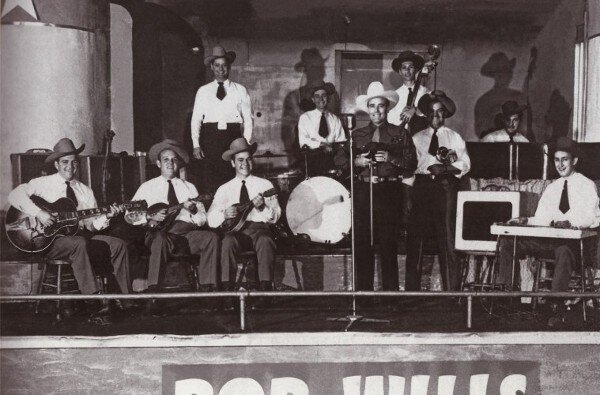 Bob WIlls with band