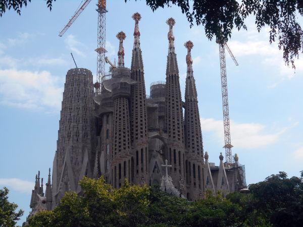 Exterior Sagrada Família - My Right Foot - Part Two