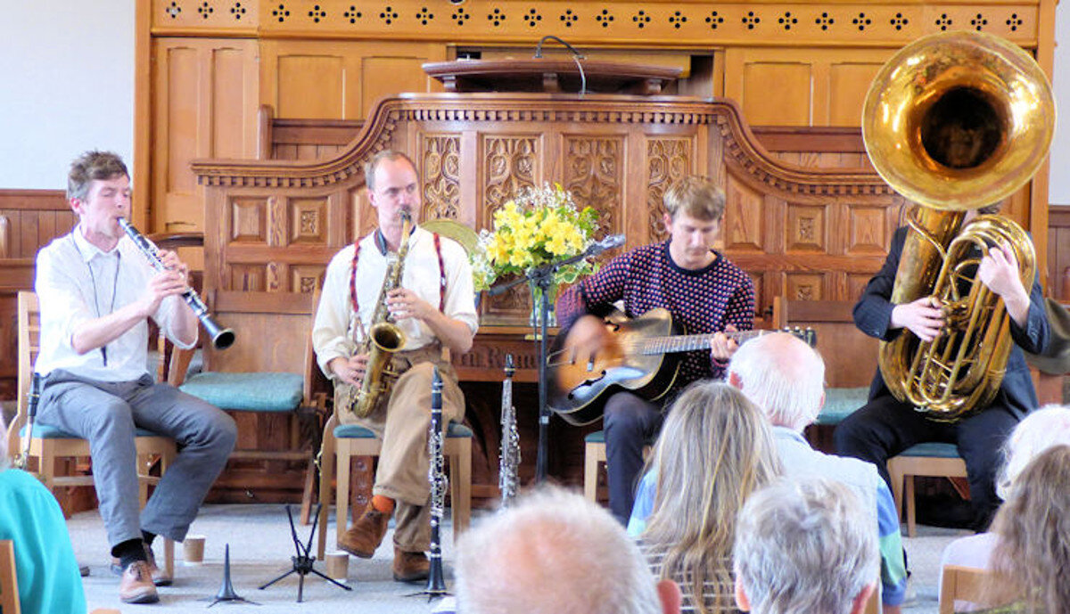 Frog and Henry at the 2019 Bude Jazz Festival