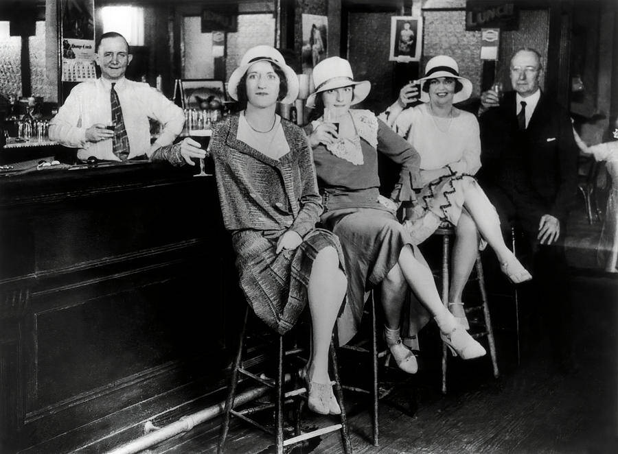 lois-long-writer-flapper-of-roaring-twenties-prohibition-c-1925-daniel-hagerman