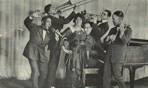 Mamie Smith with jazz band