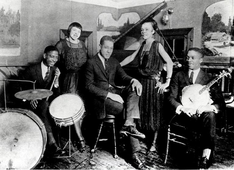Ellington and group in Louis Thomas' cabaret, 901 R St. NW in Washington DC.