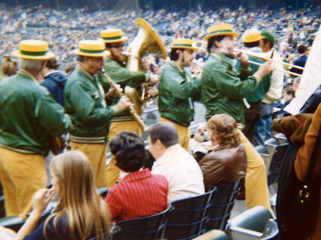 Bob Mielke's Oakland A's Strolling Dixieland Band