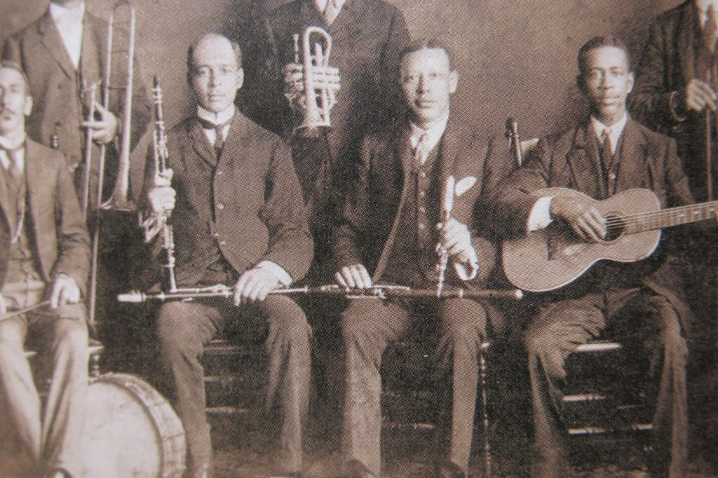 Figure 3 1 1024x682 - Johnny Dodds: His Teachers and Clarinets