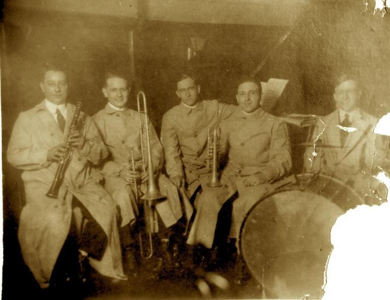 Stein's Dixie Jass Band 1916 Yellow Nuņez, Eddie Edwards, Henry Ragas, Nick La Rocca, Johnny Stein.