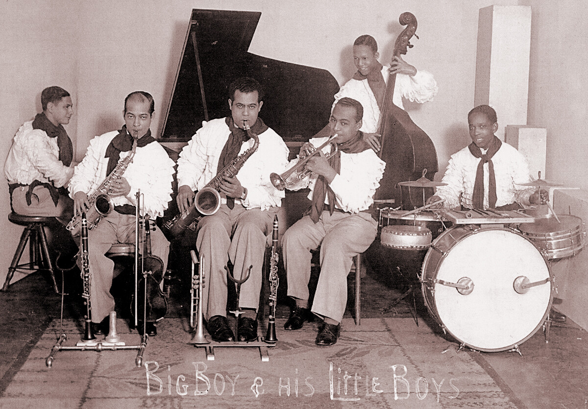 Big Boys Little Boys - sitting 1936