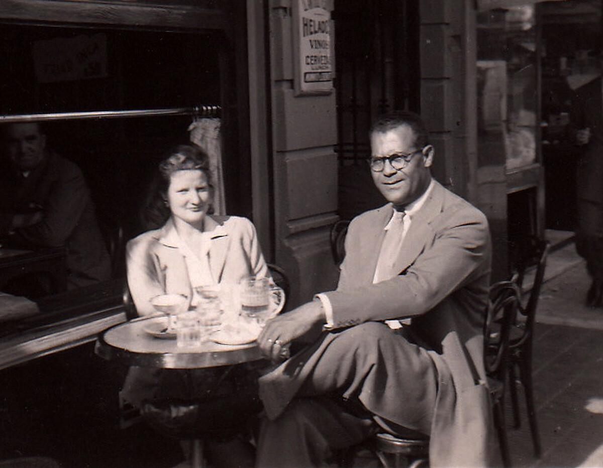Frank and Madeline street café