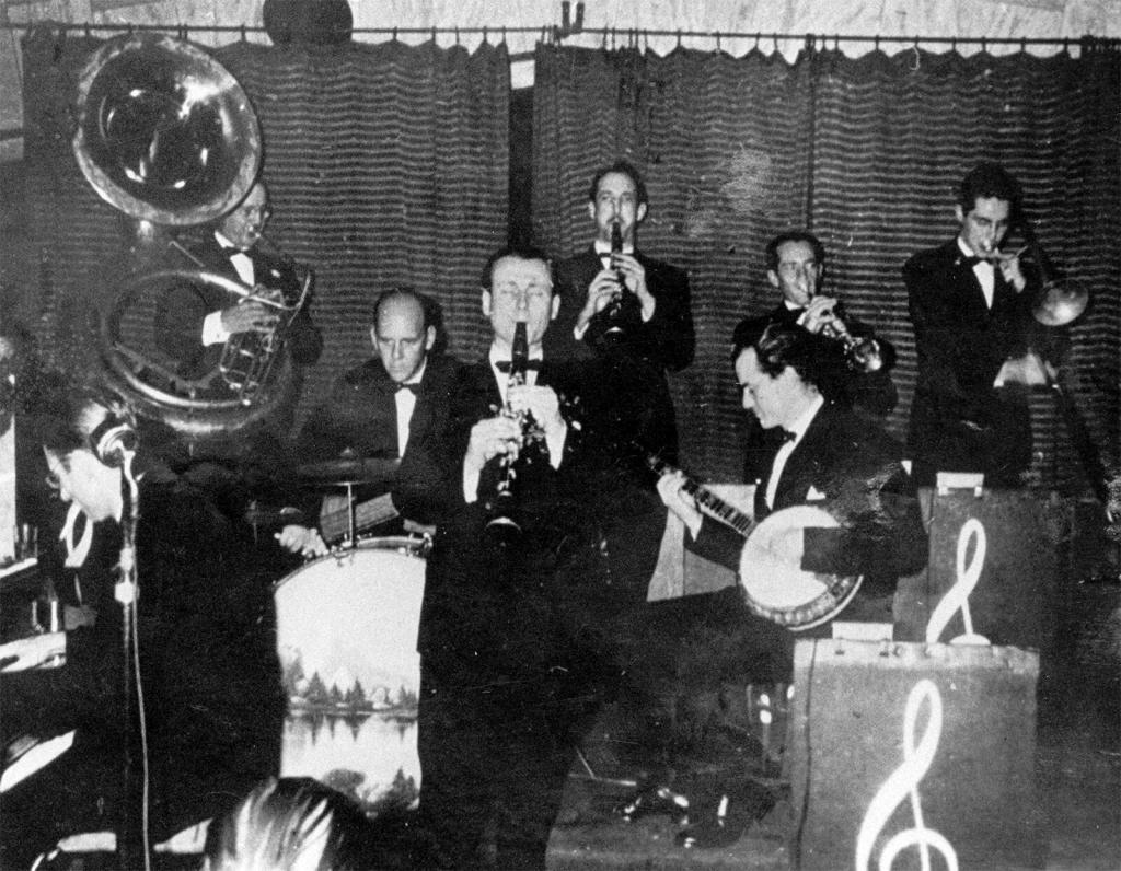 The wartime Yerba Buena Jazz Band at the Dawn Club