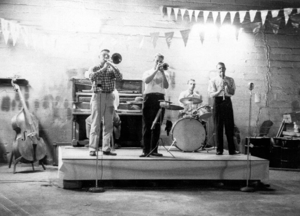 Hall Brothers Jazz Band Bradys Garage