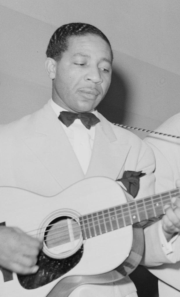 Lonnie Johnson in Chicago, 1941