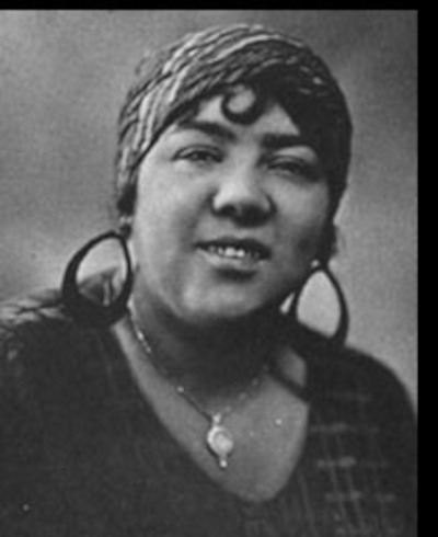 Lizzie Miles (1895-1963)