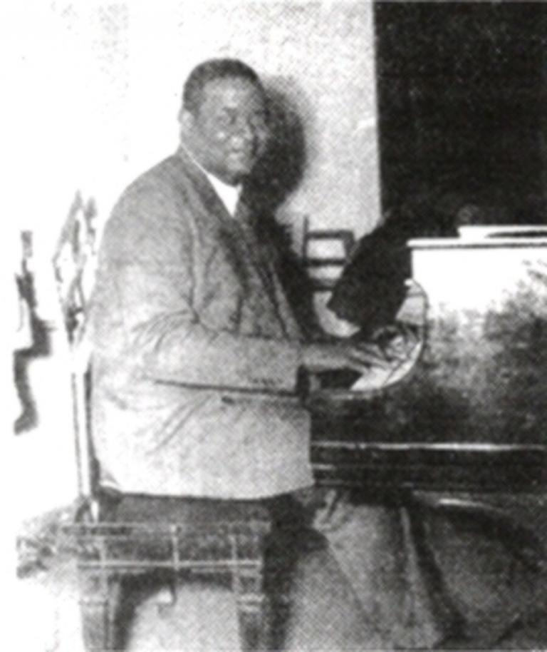 Hattie McDaniel acc. by Richard M. Jones's Jazz Wizards