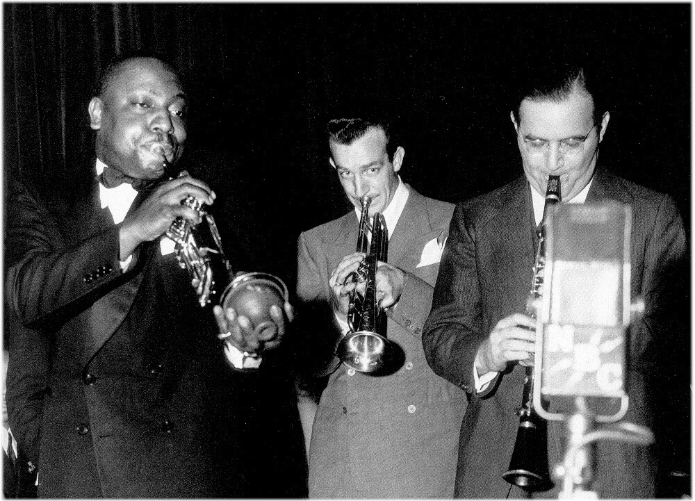 Cootie Williams and Harry James with Benny. Frank Driggs Collection.